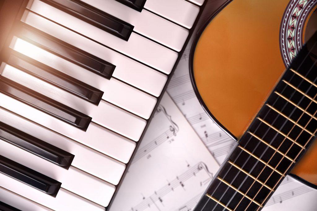 Piano und Gitarrenuntericht in Berlin - Amadeus MusikschuleKeyboard & Klavier Unterricht in Berlin - Amadeus Musikschule